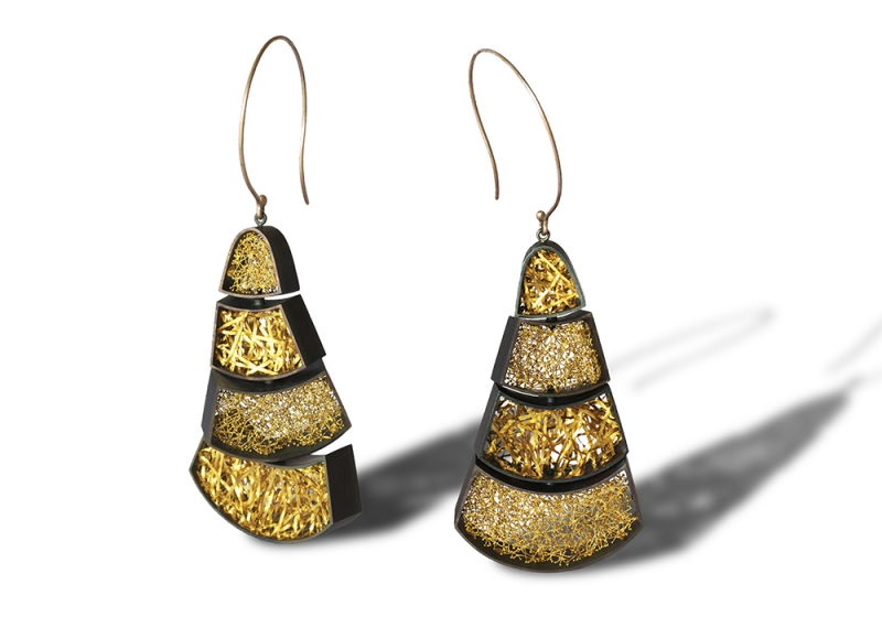 FuchiA_Earrings_Oxymoron2_w.jpg