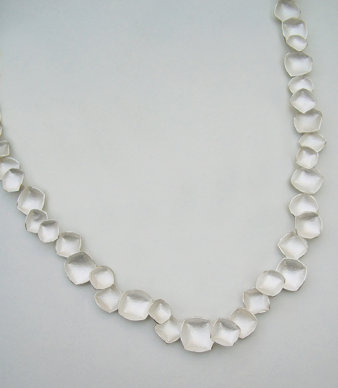 SaitoK_Necklace_Faceted_Silver_w.jpg