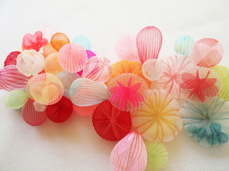 KusumotoM_Brooches_WarmColorBubbles_GroupA_w.jpg