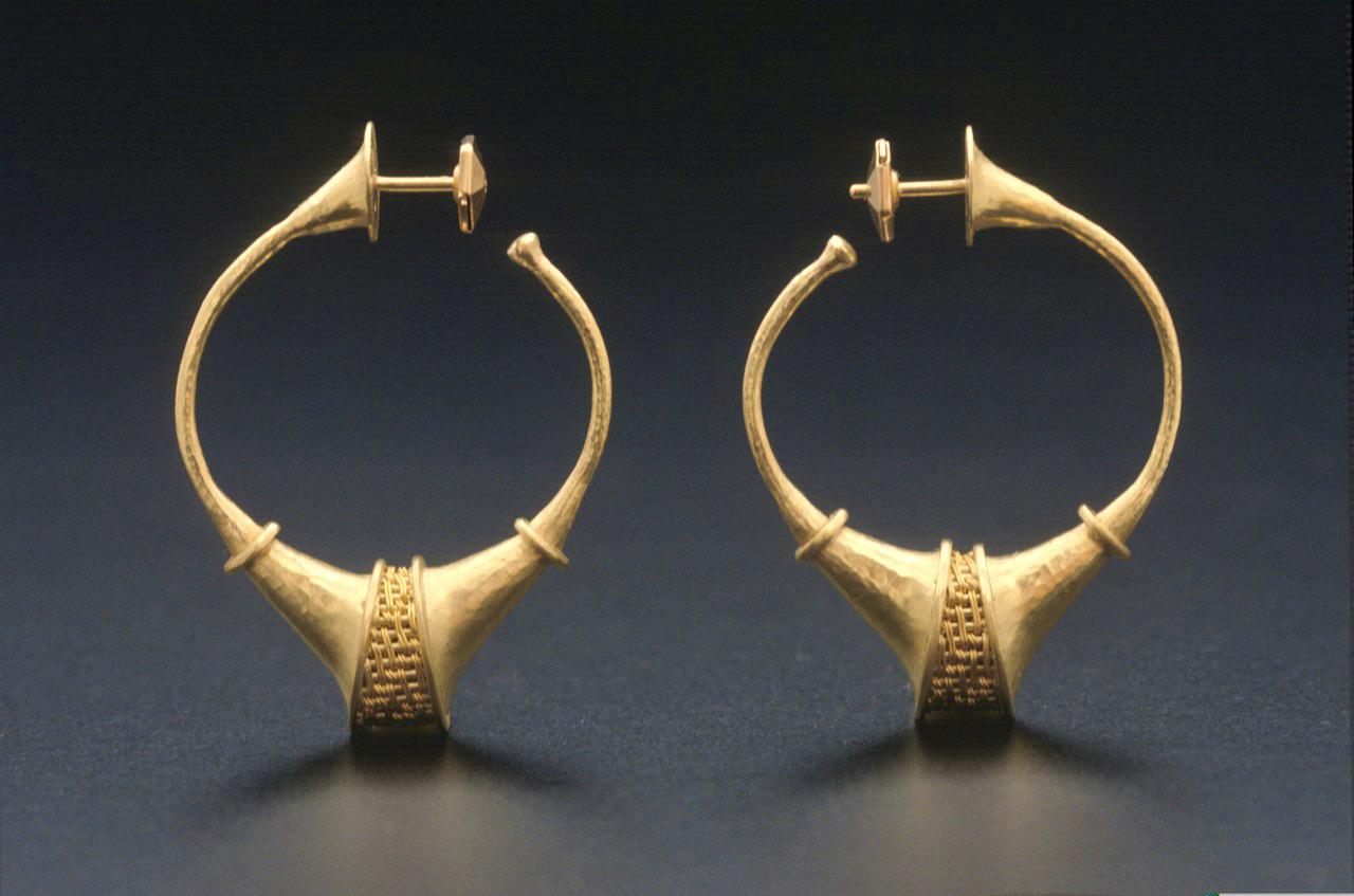 85.-Earrings-126-1988-2