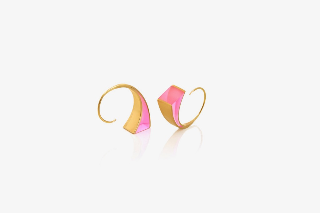 7. U.F.O Accessories Conchoidal 2 petite for the ear in pale pink.jpg